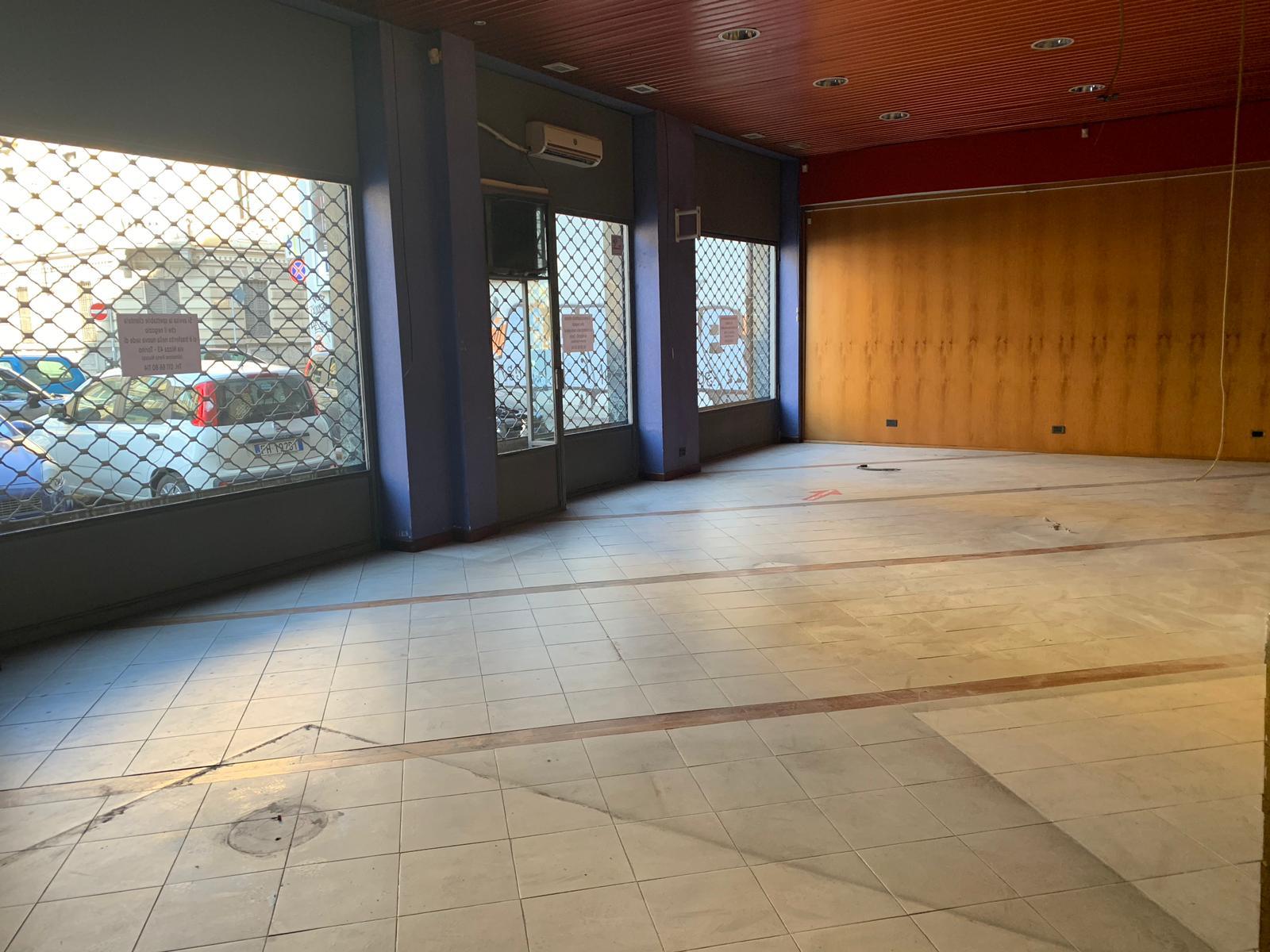 Locale commerciale in locazione – Via Valperga Caluso 16H, Torino