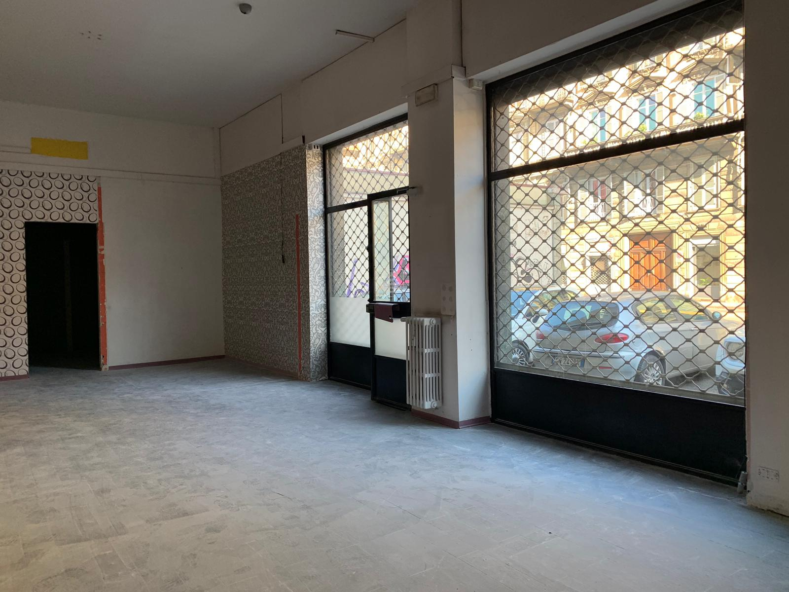 Locale commerciale in locazione – Via Valperga Caluso 16C, Torino
